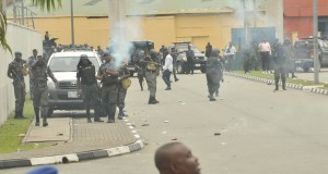 POLICE FIRE TEAR GAS INTO THE RIVERS STATE GOVT HOUSE